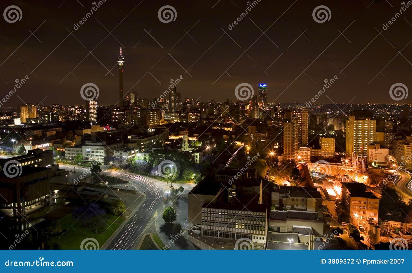 Das Nachtstück der Stadt in Johannesburg
