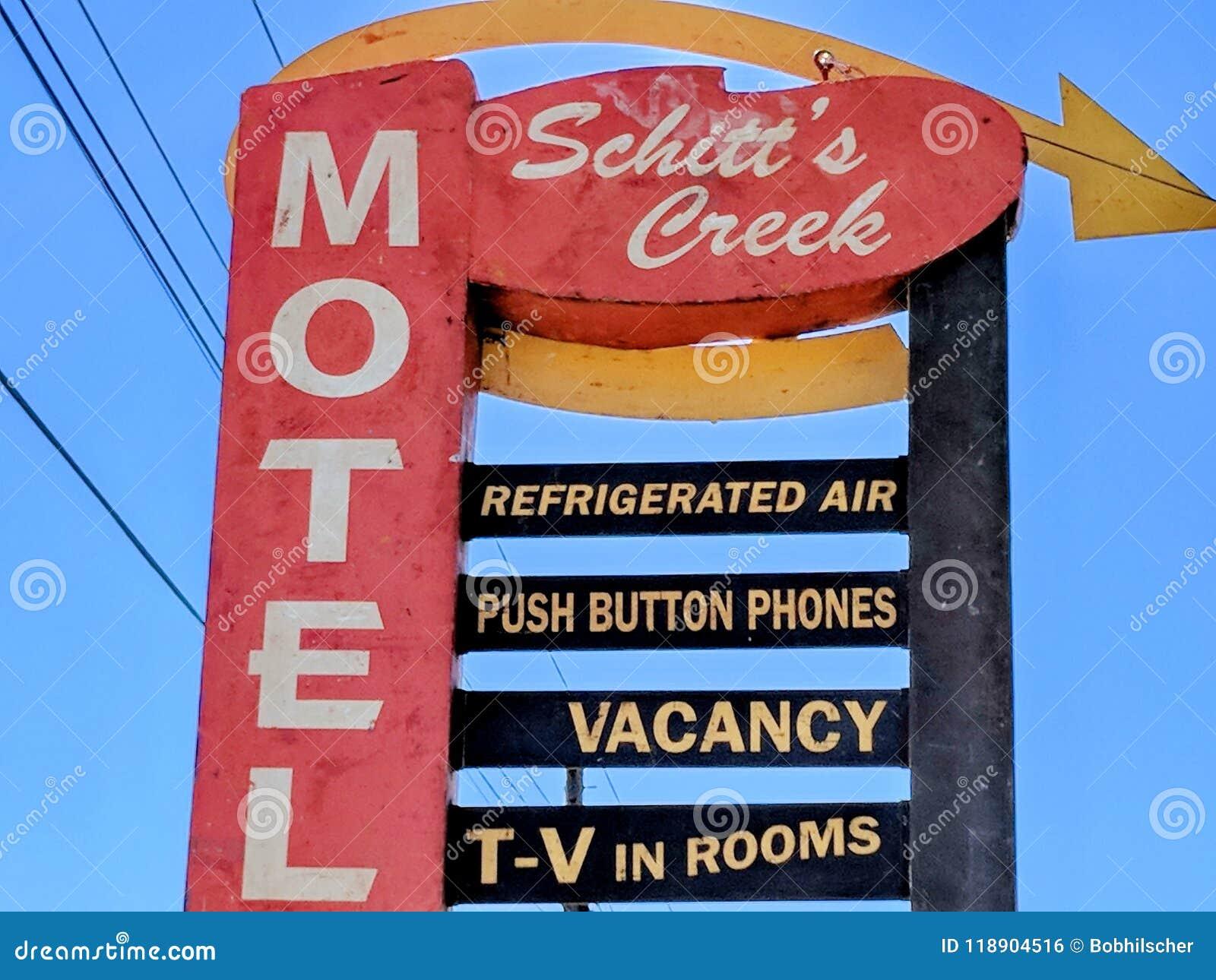 Das Schitt-` s Nebenfluss-Motelzeichen, wie in der Schitt-` s Nebenflussfernsehserie gekennzeichnet