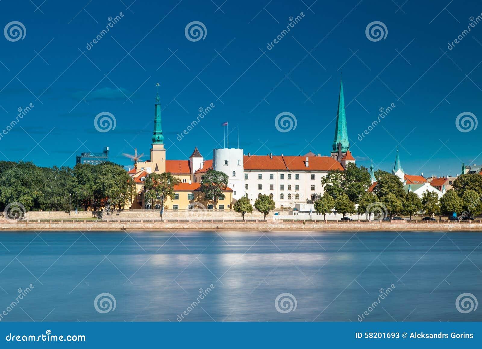 Das Schloss ist ein Wohnsitz für einen Präsidenten von Lettland (alte Stadt, von Riga, von Lettland)