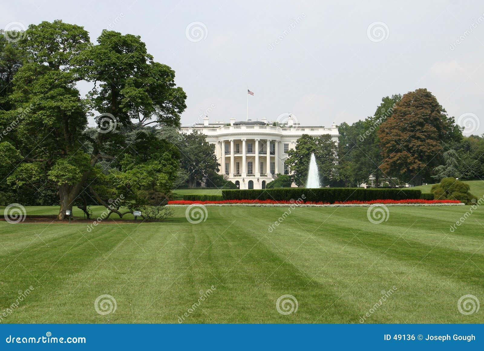 Das Weiße Haus, hinter