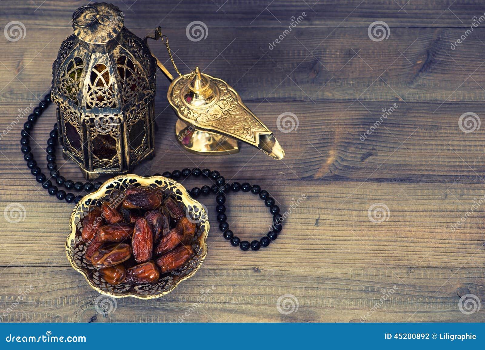 Datas, lanterna árabe e rosário Decoração de Ramadan
