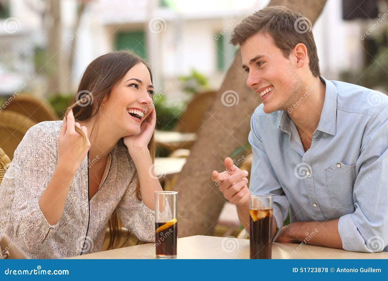 Le cushioning : être en couple mais flirter ailleurs au cas où - annempillsworth.com