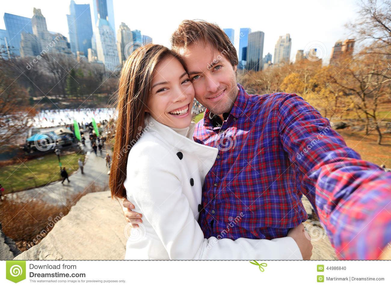 http://thumbs.dreamstime.com/z/dating-couple-love-central-park-new-york-city-young-happy-taking-self-portrait-selfie-photo-late-fall-early-winter-44986840.jpg