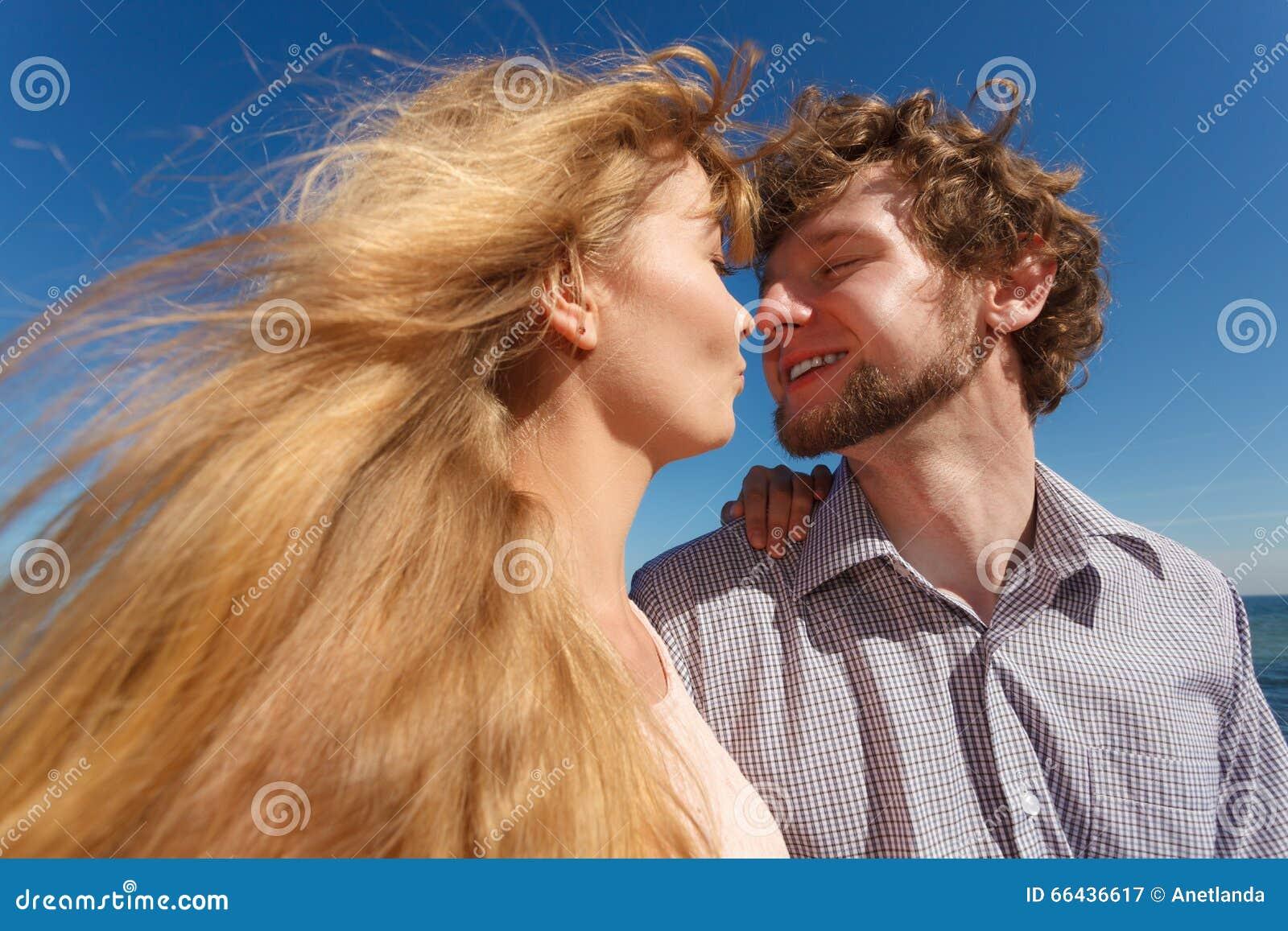 dating voor liefde dating start song