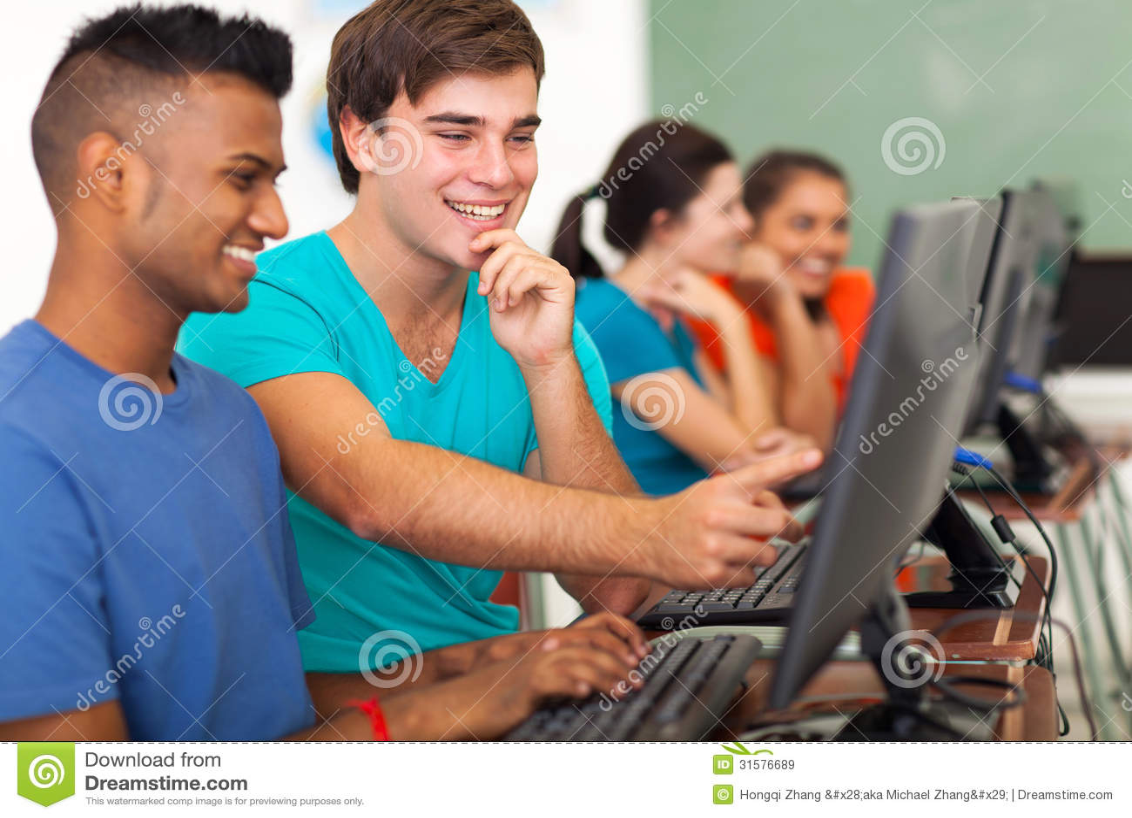 Dator för manlig student
