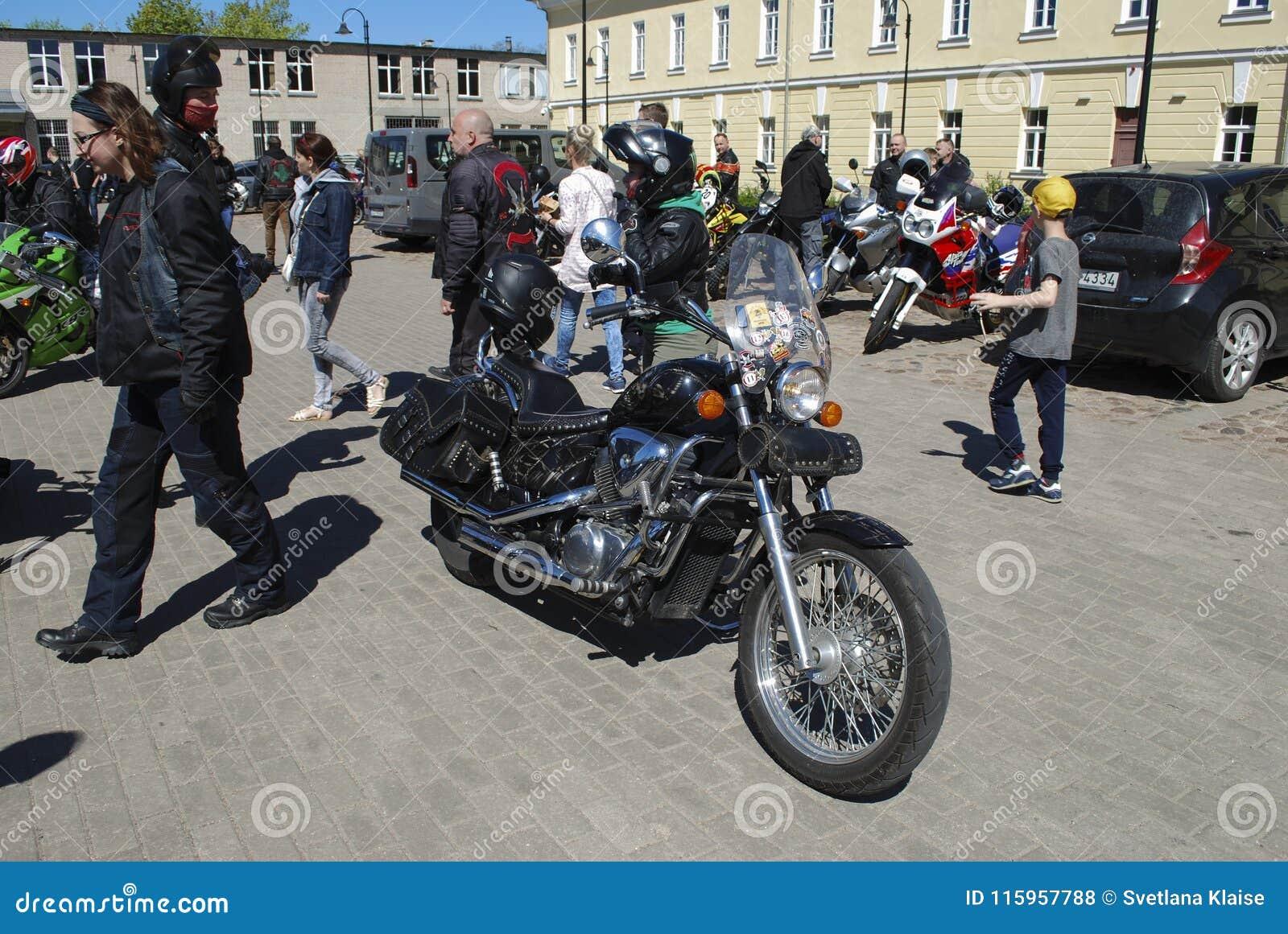 Daugavpils/Lettonia - 5 maggio 2018: Riunione annuale dei motociclisti dai paesi baltici nel Daugavpils