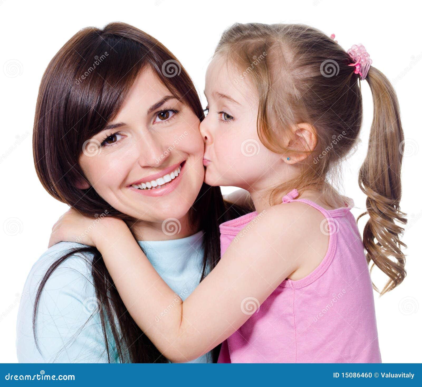 Целуется с дочкой 8 фотография