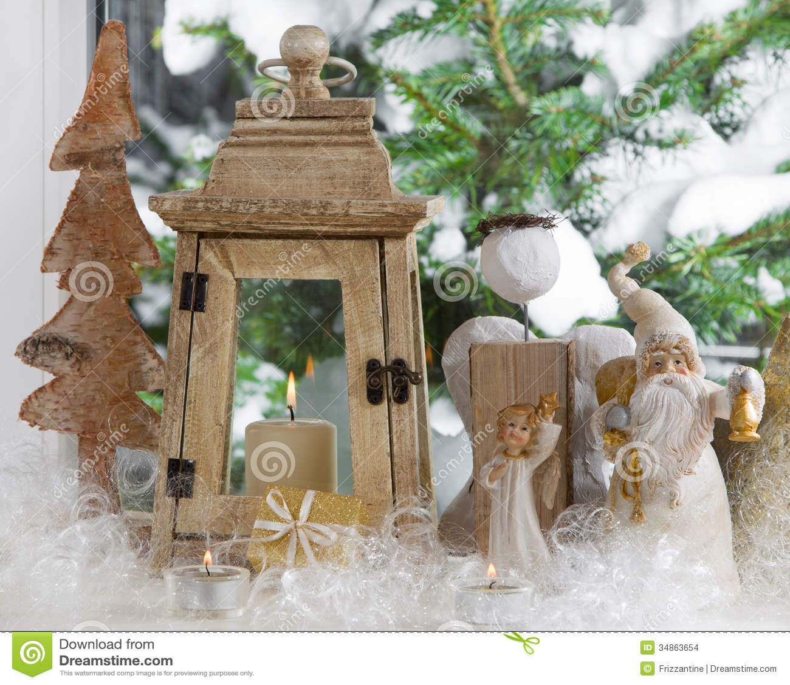 Davanzale della finestra decorato con gli angeli di natale - Addobbi finestra natale ...