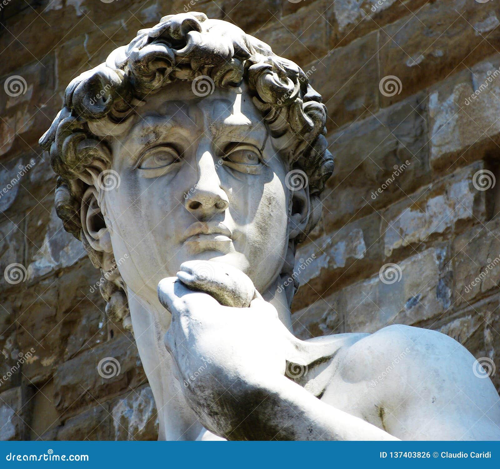 David door Michelangelo buiten Palazzo Vecchio op Piazza della Signoria, Florence, Italië