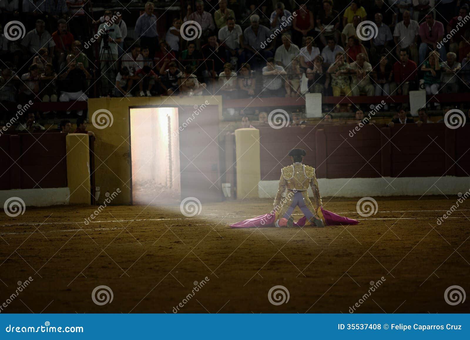 David Valiente vous attendant dans le portagayola le jour de votre alternative en tant que toréador, Andújar,