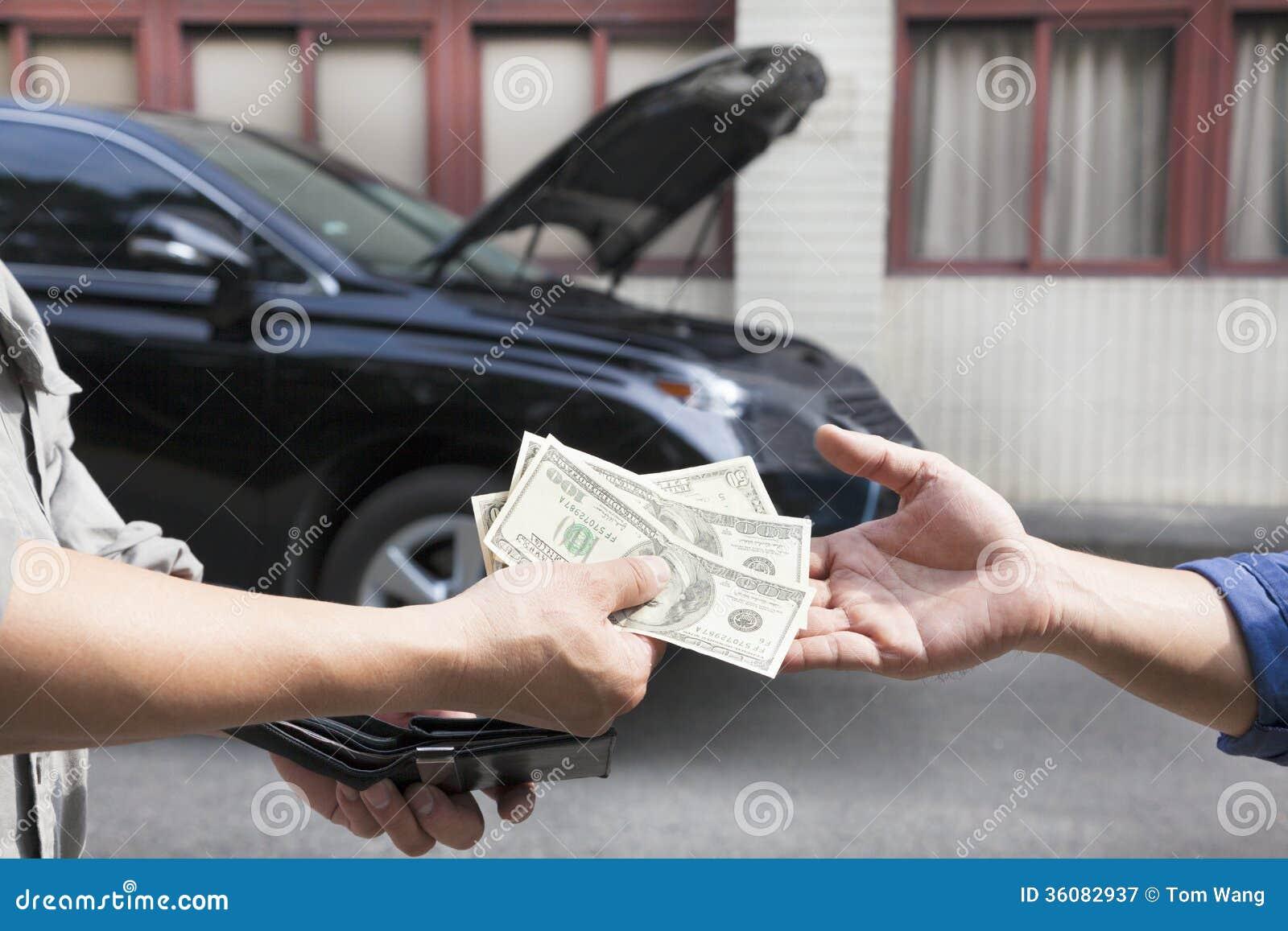 Dawać pieniądze dla samochodu i brać