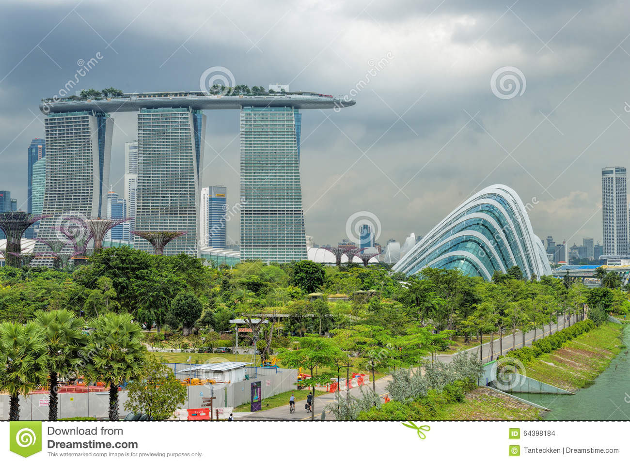 Dayview of marina bay sands resort hotel editorial stock for Most luxurious hotel in singapore