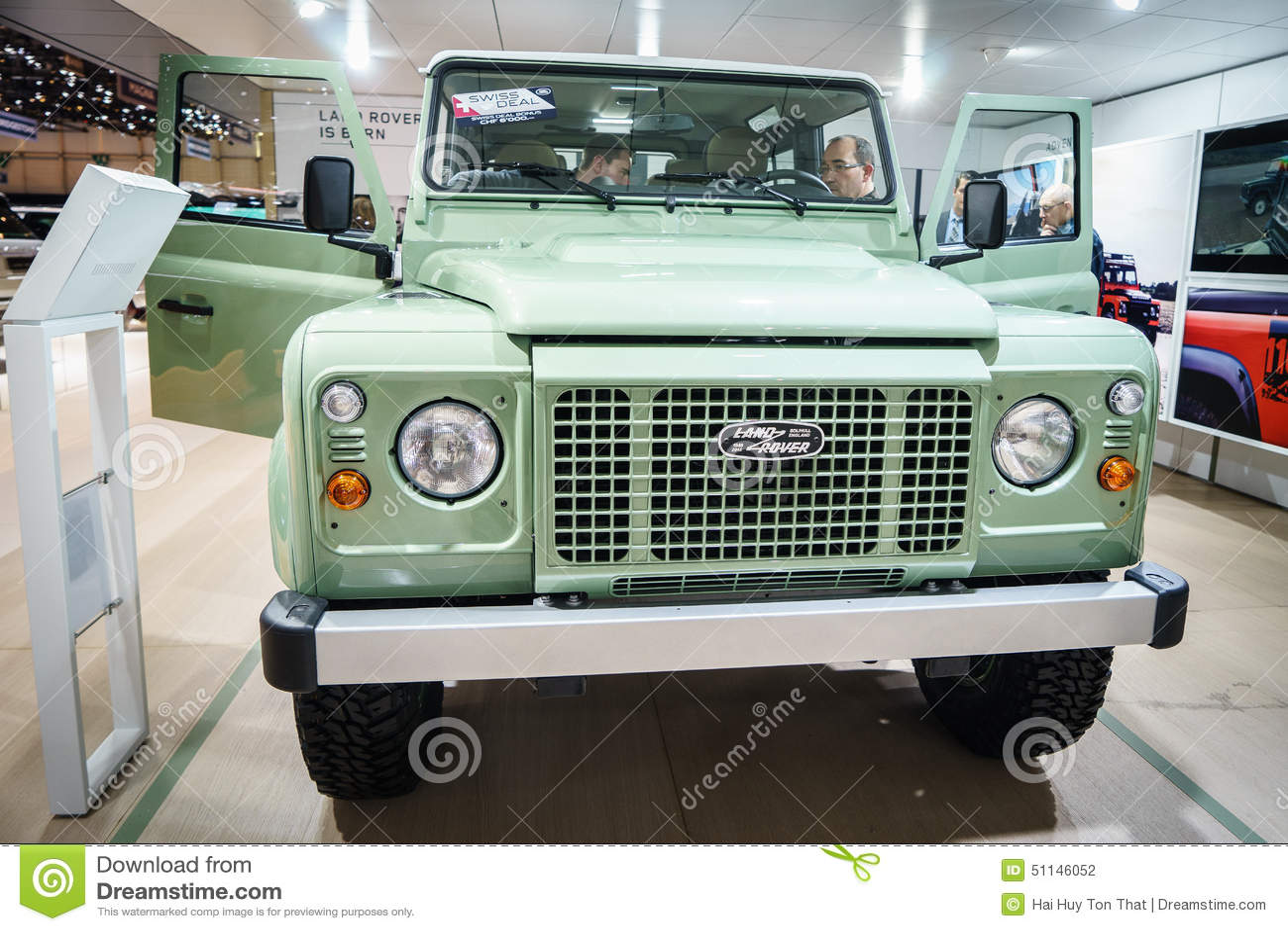 D barquez la voiture de rover discovery salon de l - Salon international de la photographie ...