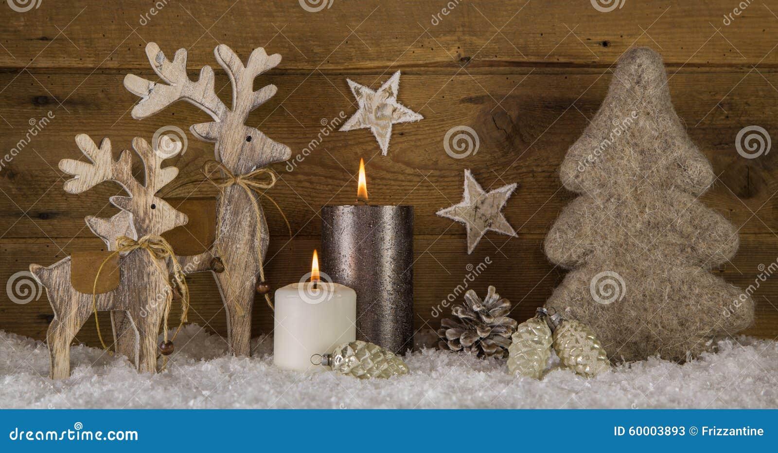 #A76A24 Décoration Brune Blanche En Bois Naturelle De Noël Avec  5651 idée déco noel bois 1300x774 px @ aertt.com