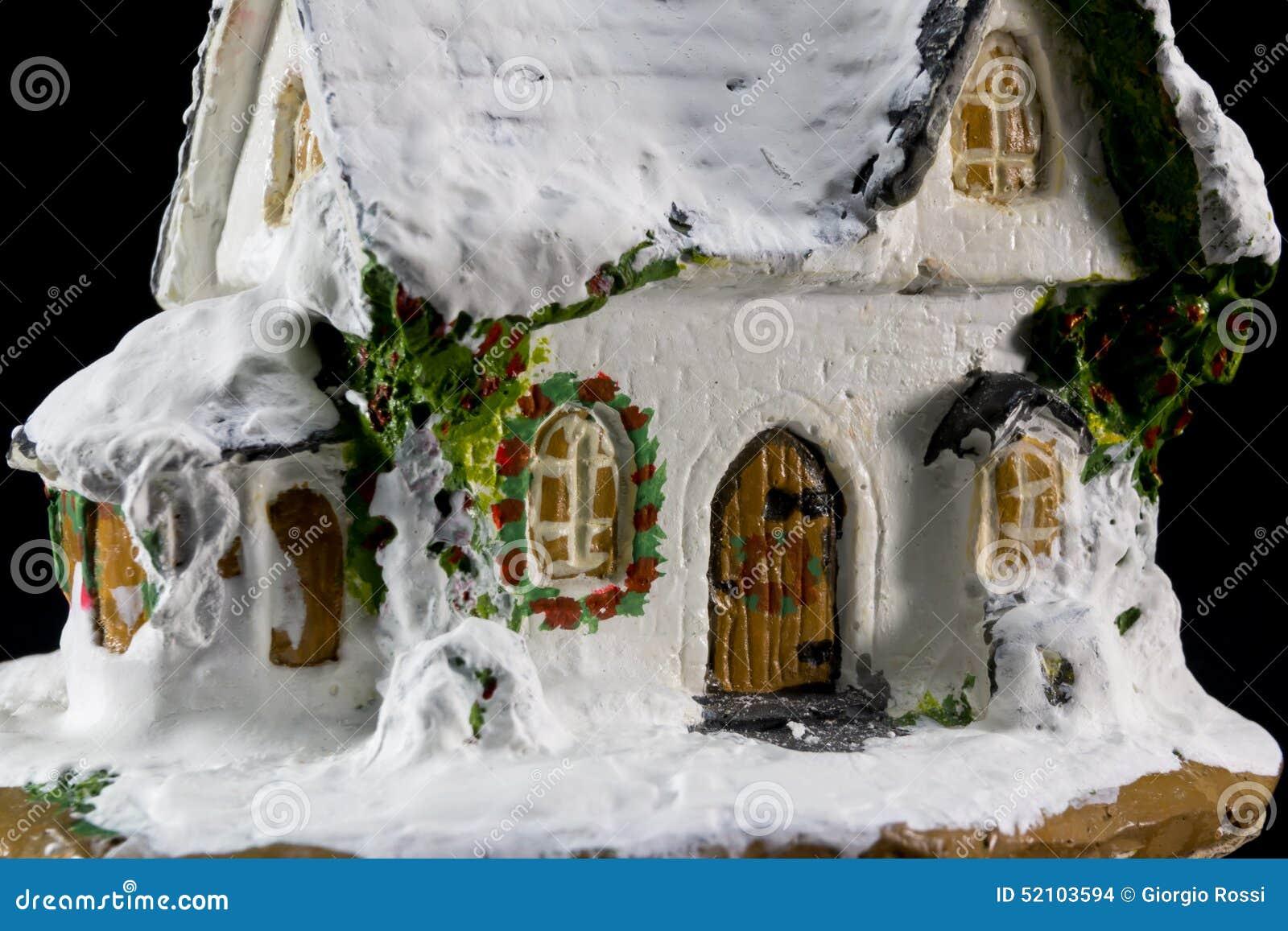 #64441C Décoration De Noël D'hivers Avec La Maison En Céramique De  5789 maison avec decoration de noel 1300x957 px @ aertt.com