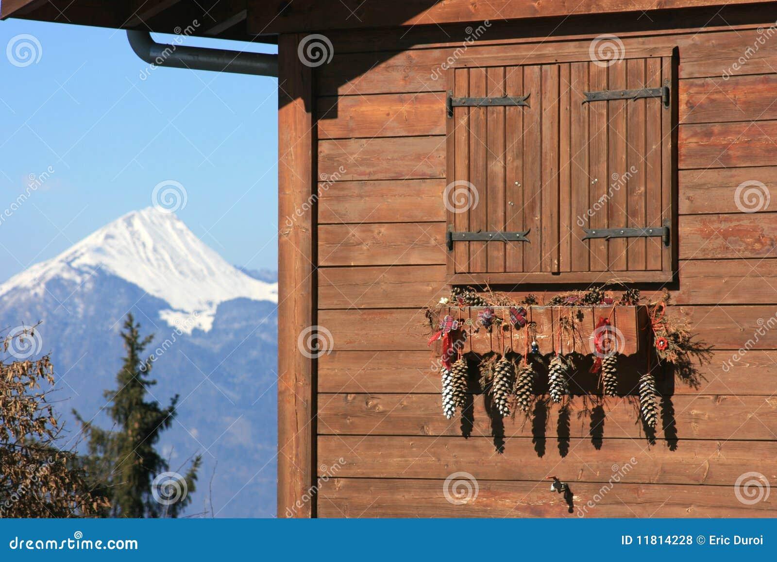 D coration de no l sur le chalet photos libres de droits image 11814228 - Decoration chalet de noel ...