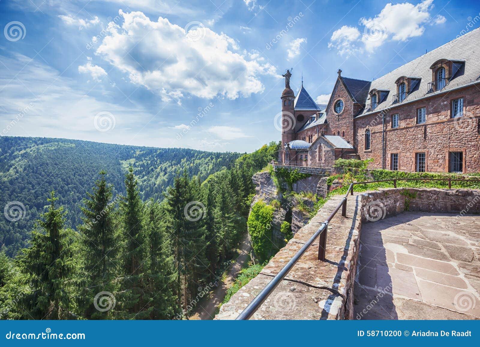 De abdij van het Mont Sainte-Odile in de Elzas, Frankrijk