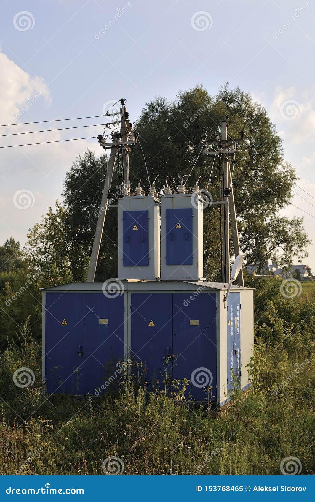 De achtergrond van de energieindustrie van het verwarren van bedrading van transformatorhulpkantoor die met hoog voltage het mach