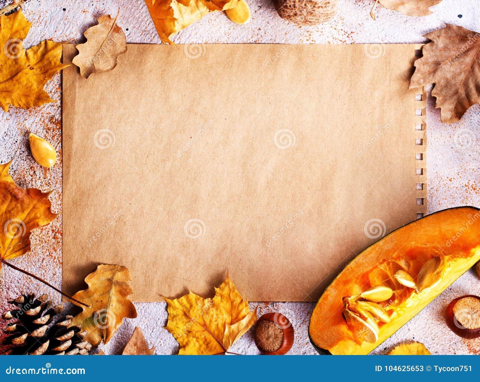 Download De Achtergrond Van De Herfst Rode En Oranje Het Bladclose-up Van De KleurenKlimop Stock Afbeelding - Afbeelding bestaande uit pompoen, oogst: 104625653