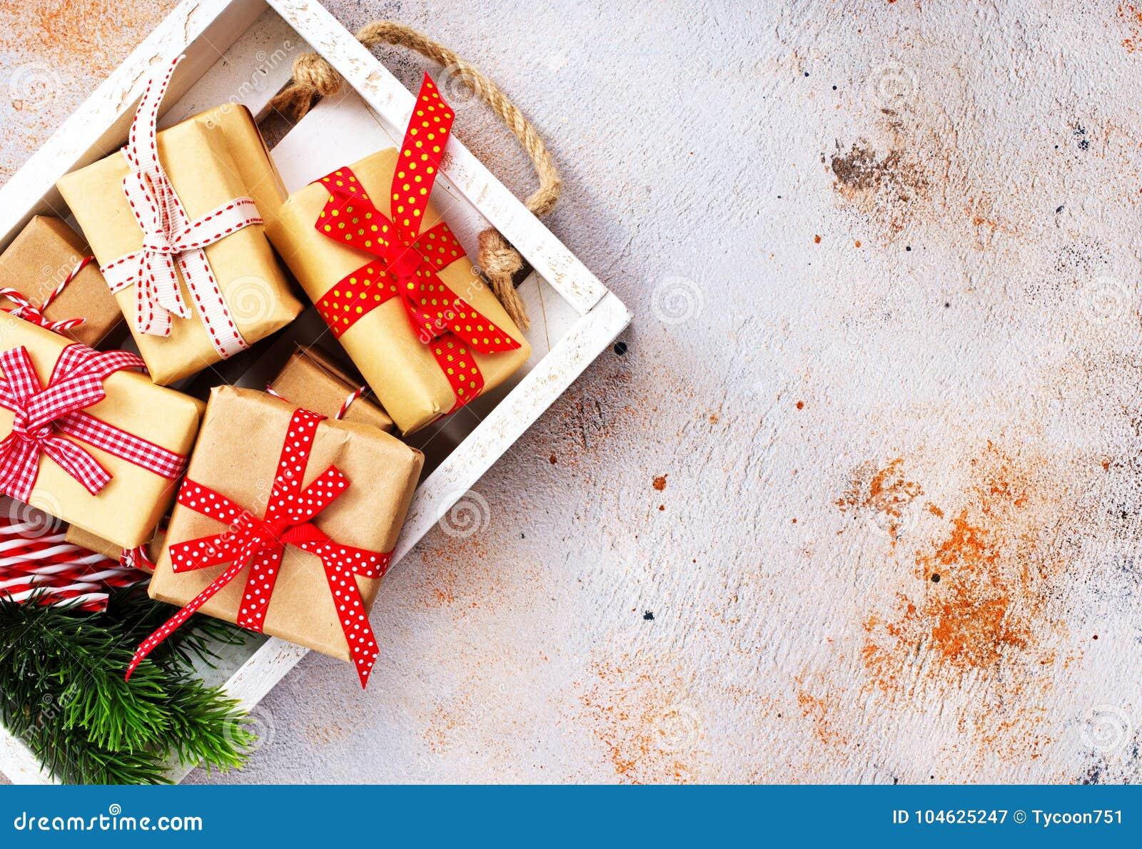 Download De Achtergrond Van Kerstmis Stock Afbeelding - Afbeelding bestaande uit groet, kegel: 104625247