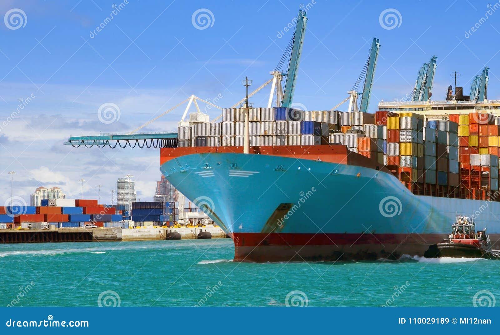 De activiteiten van de haven in Hamburg