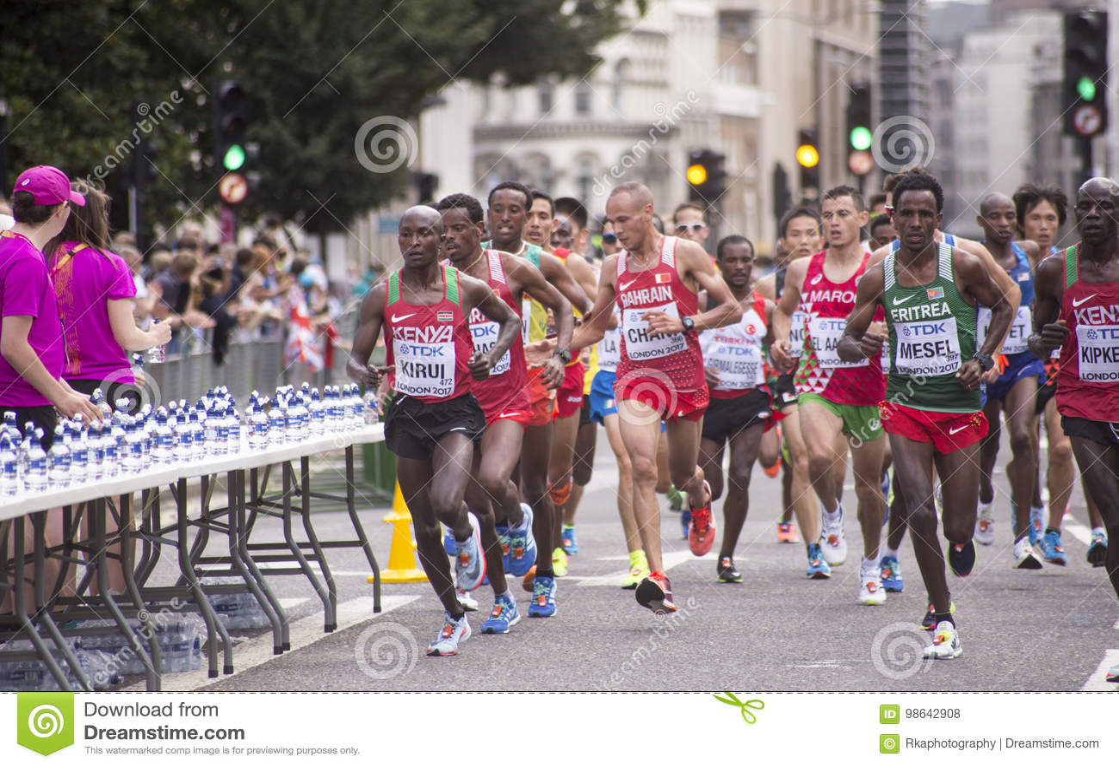 6 de agosto ` 17 - maratona dos campeonatos do atletismo do mundo de Londres: Geoffrey KIRUI