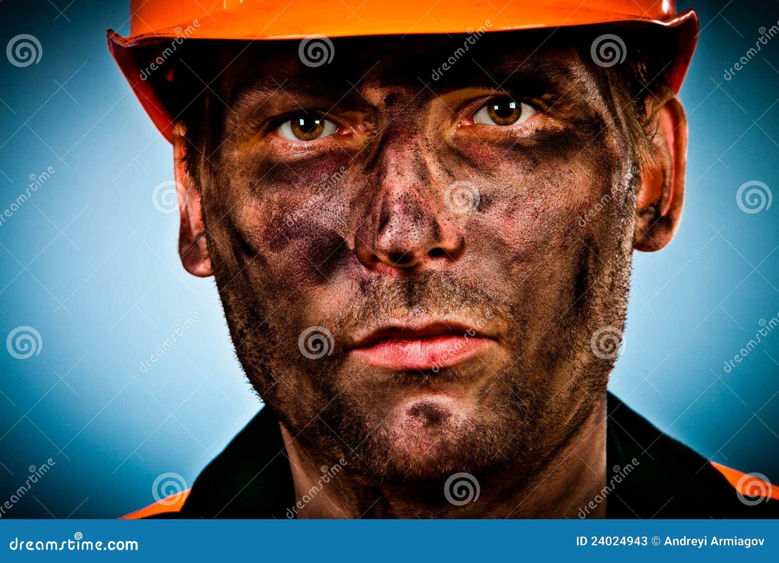 De arbeider van de de olieindustrie van het portret