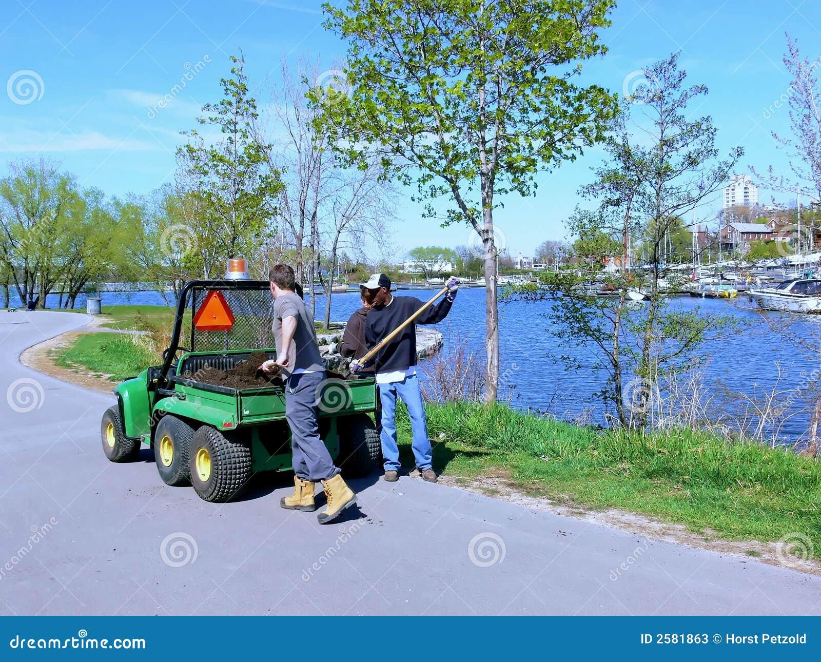De arbeider van het park
