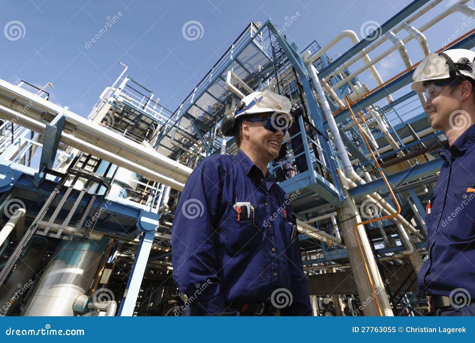 De arbeiders van de olie en van het gas, de industrie en raffinaderij