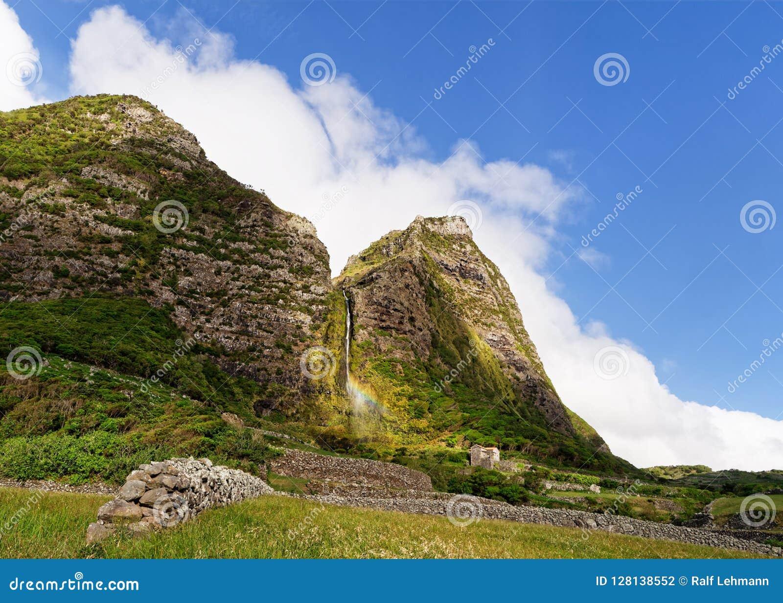 De Azoren - Waterval op het eiland Flores