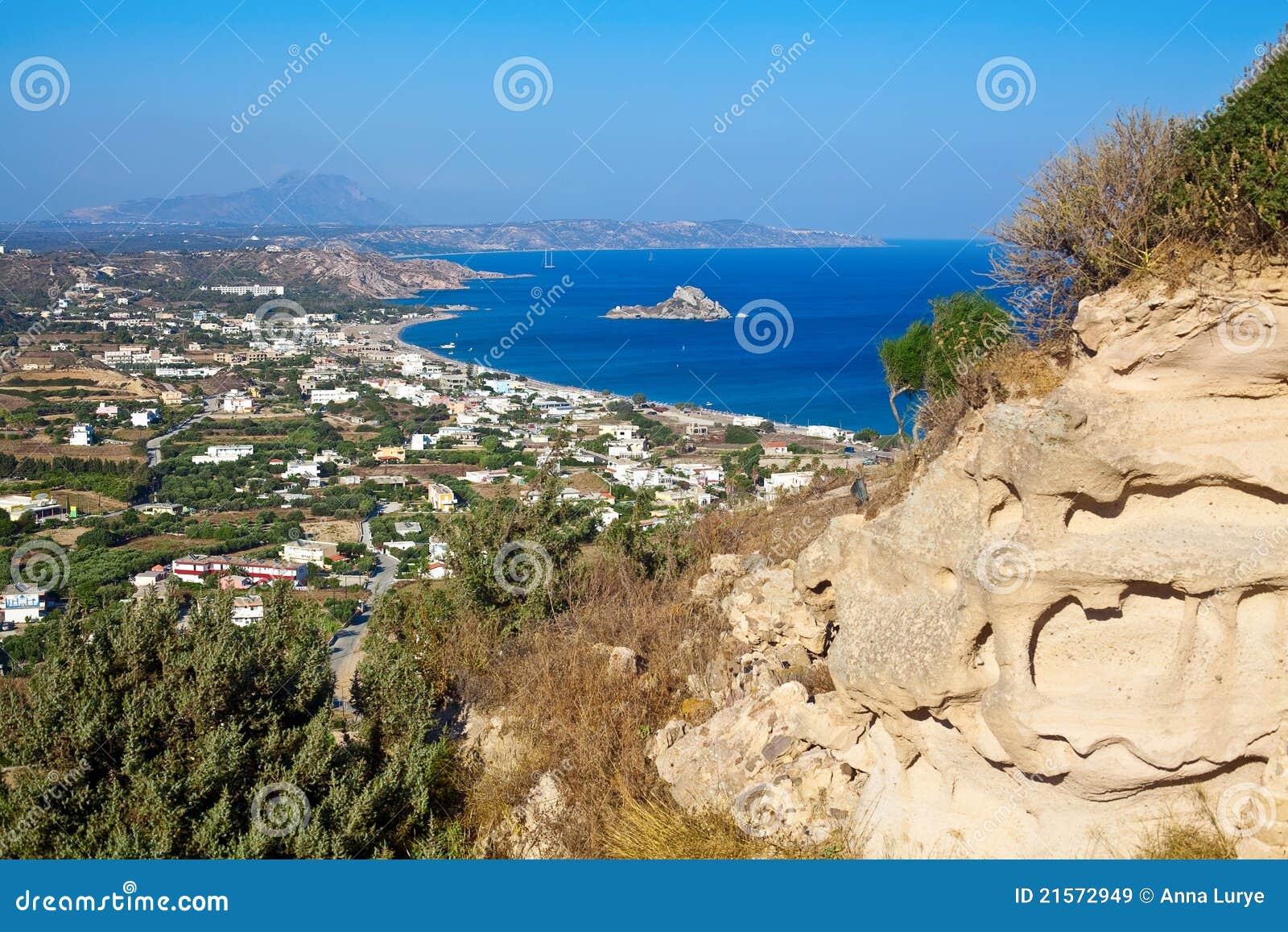 De baai van kamari op eiland kos stock afbeelding afbeelding 21572949 - Planter uitzicht op de baai ...