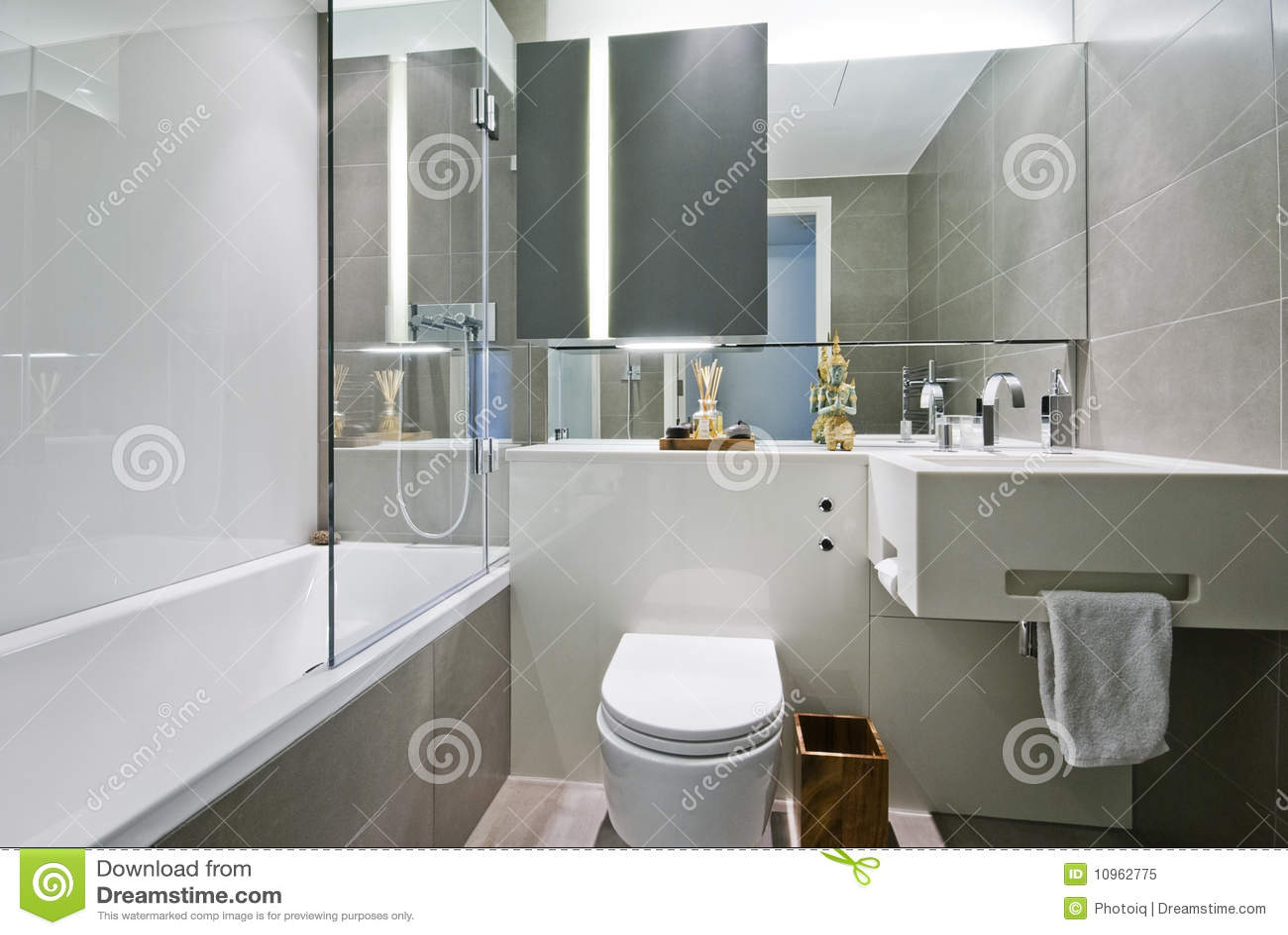 De badkamers van de luxe met indische decoratie stock afbeelding afbeelding 10962775 - Decoratie douche badkamer ...