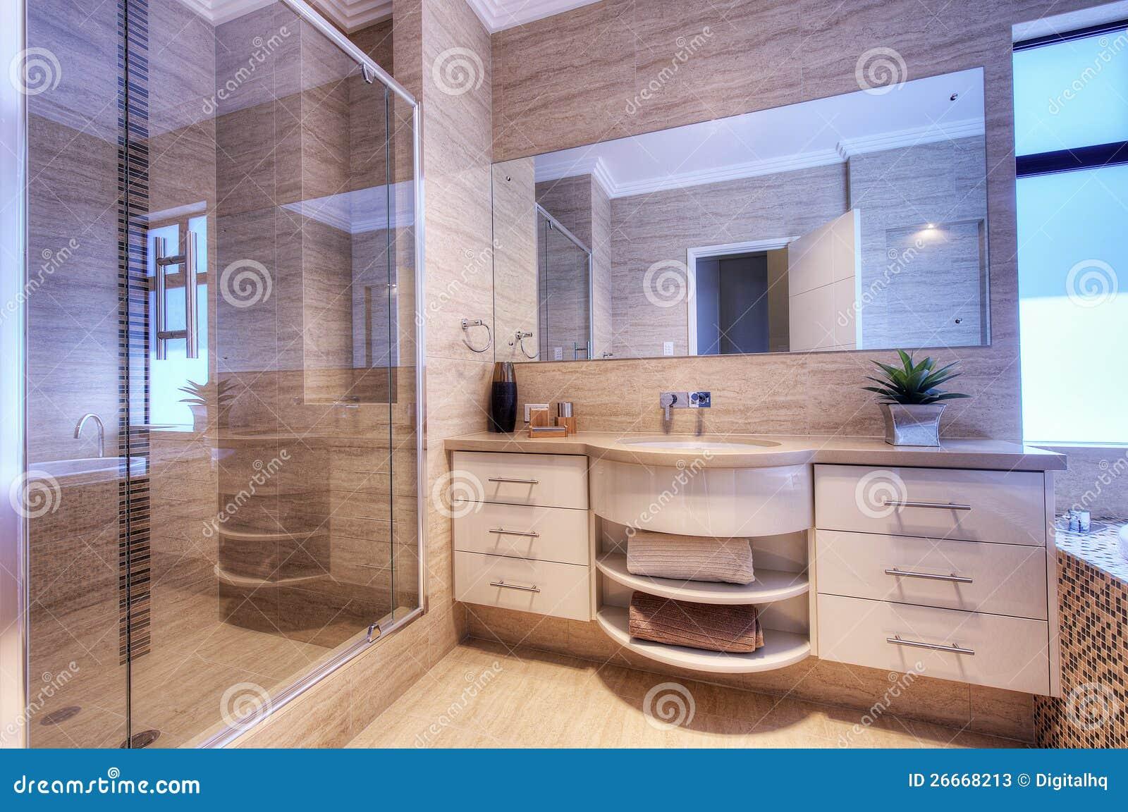 De badkamers van de luxe in modern huis stock afbeelding afbeelding 26668213 - Foto modern huis ...
