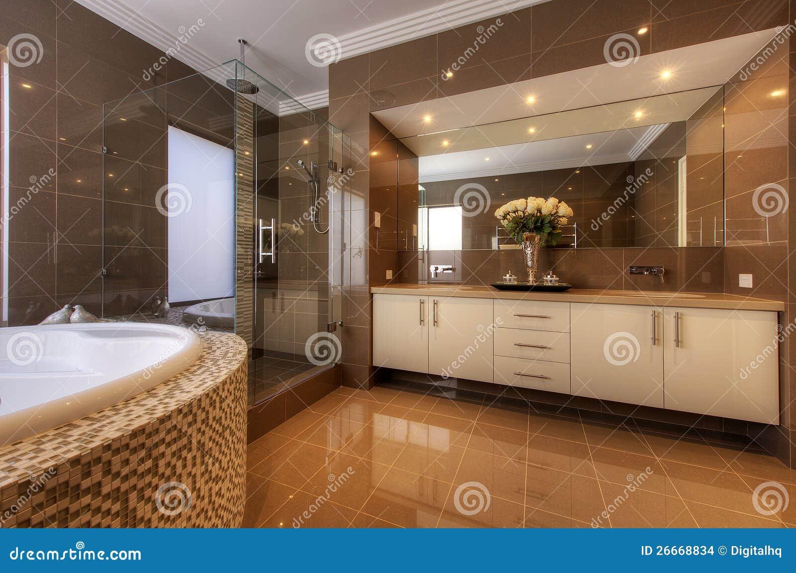 De badkamers van de luxe in modern huis stock foto afbeelding 26668834 - Badkamers ...
