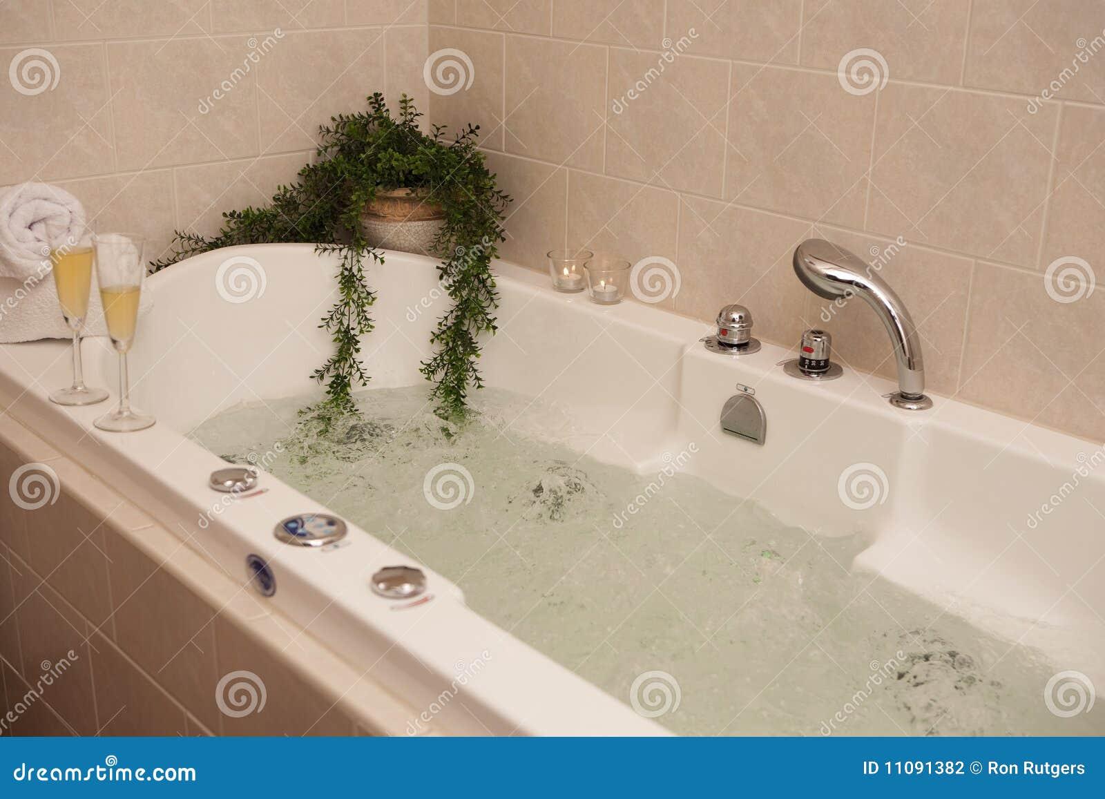 De badkuip van de luxe stock fotografie afbeelding 11091382 - Badkuip ontwerp ...