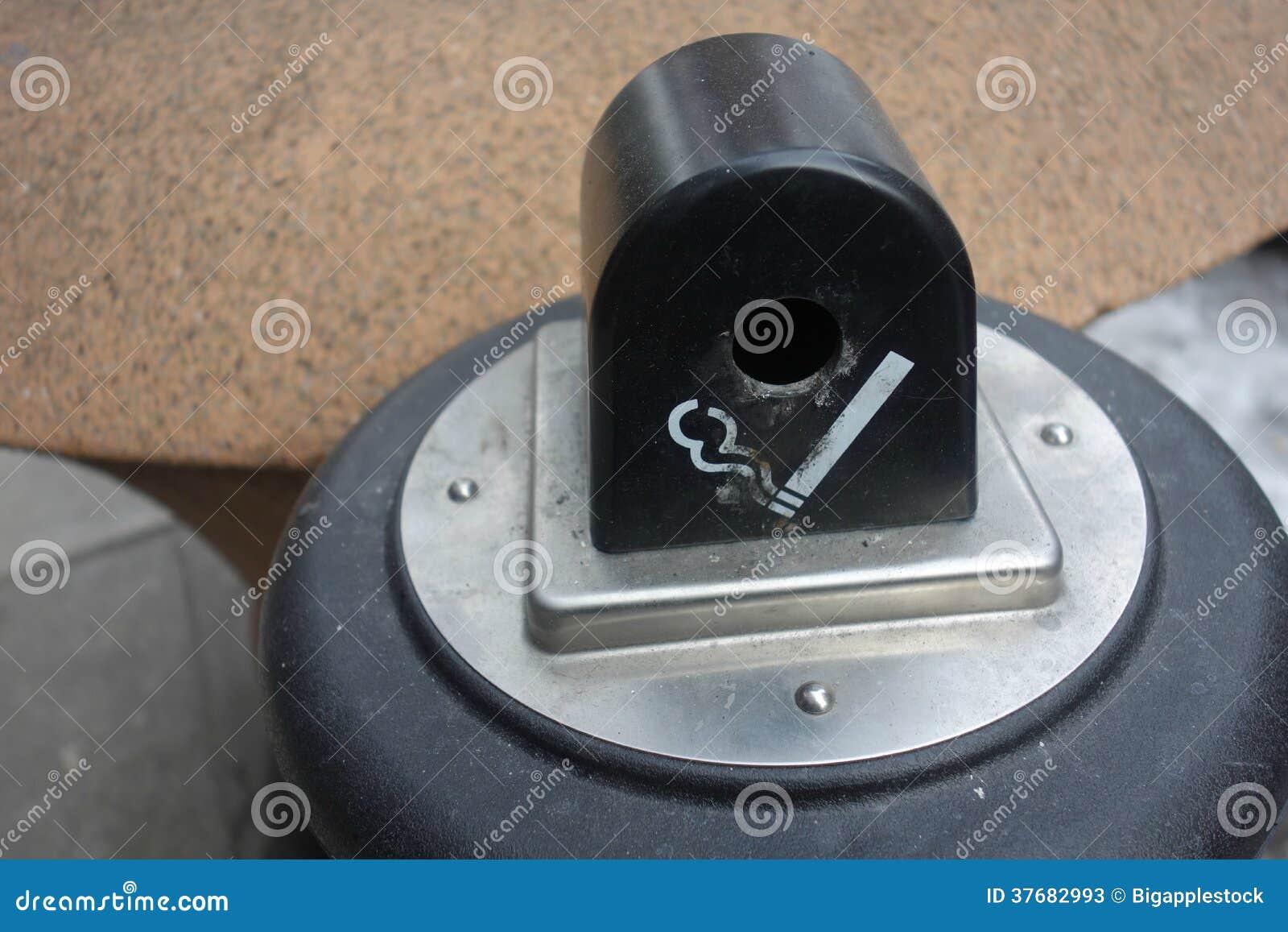 De Bak van het sigaretuiteinde