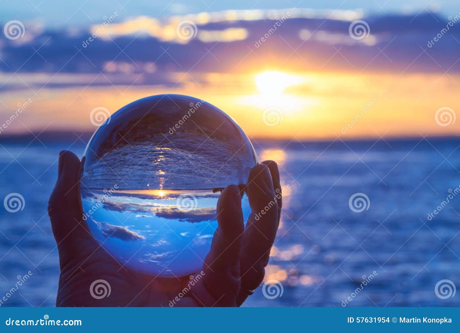 De bal van Cystal