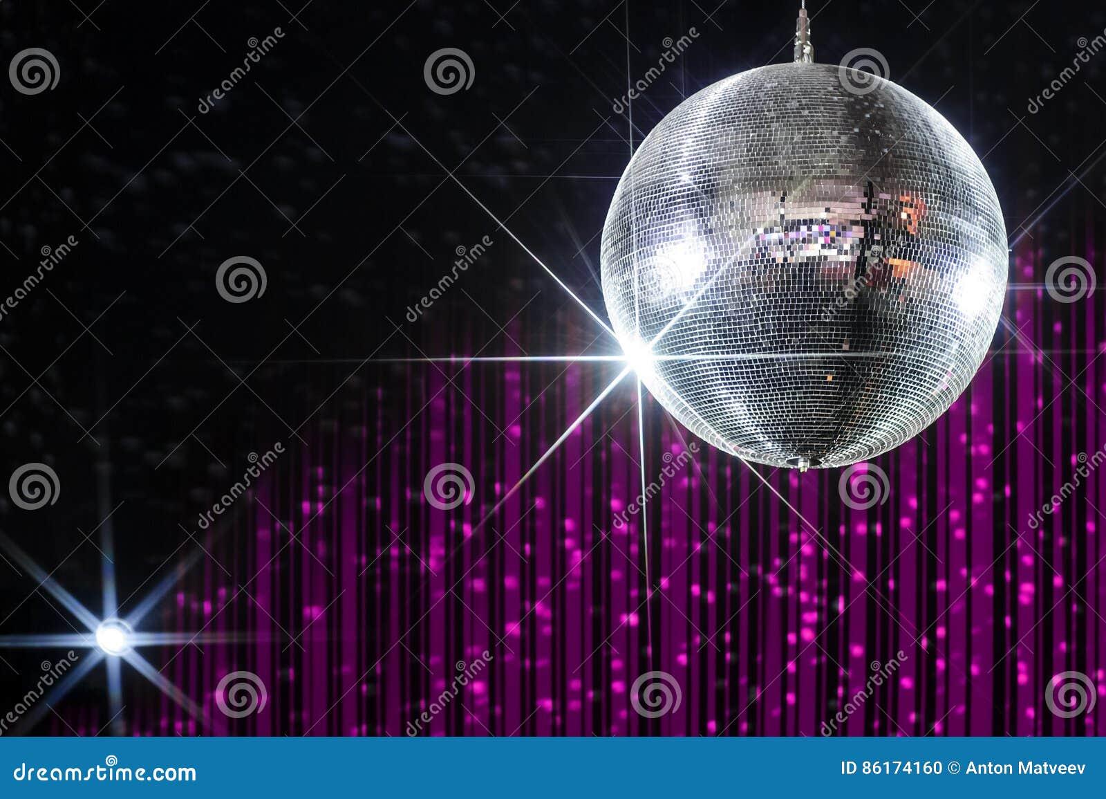 De bal van de nachtclubdisco