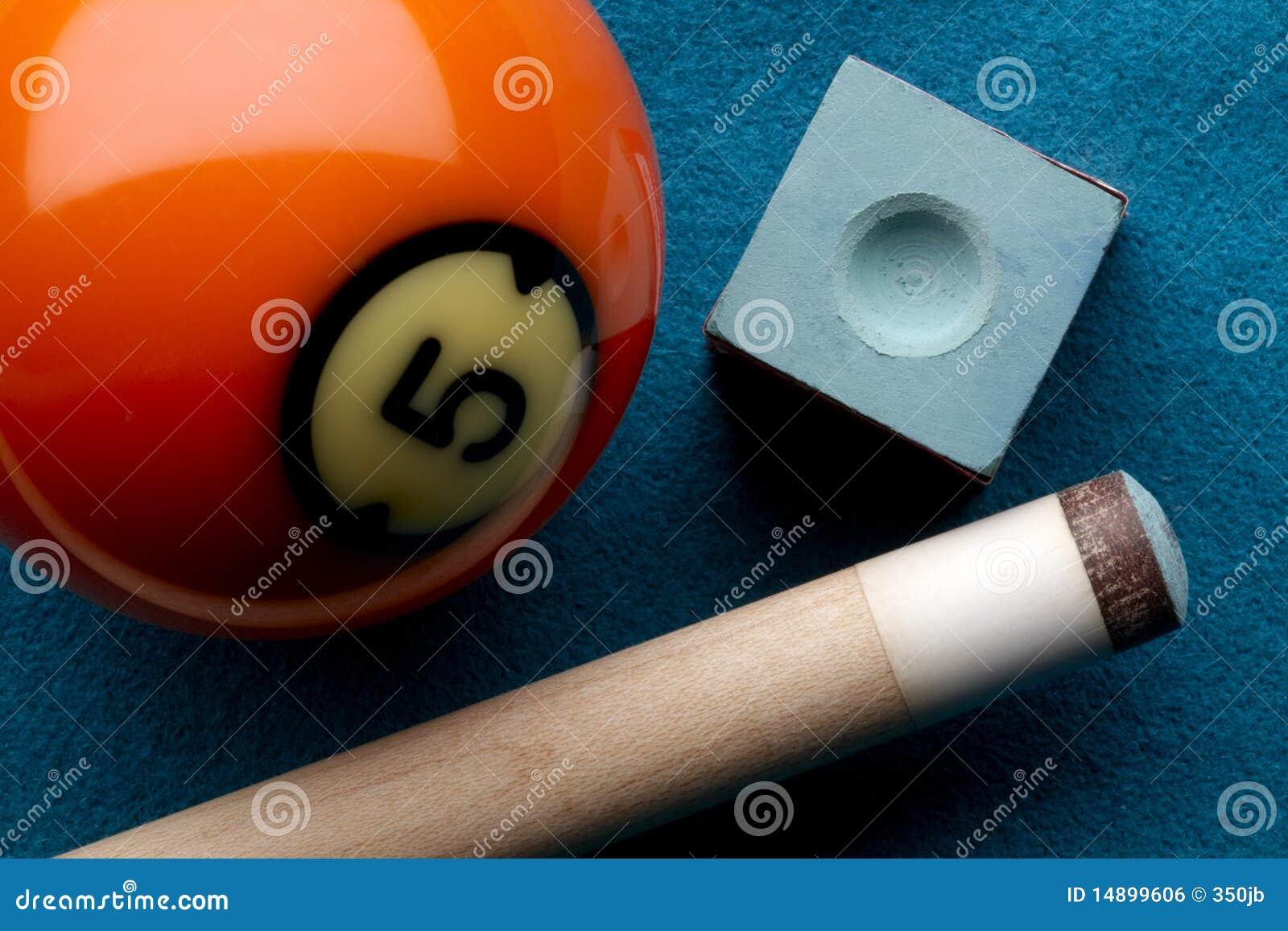 De bal van de pool, richtsnoerstok en krijt