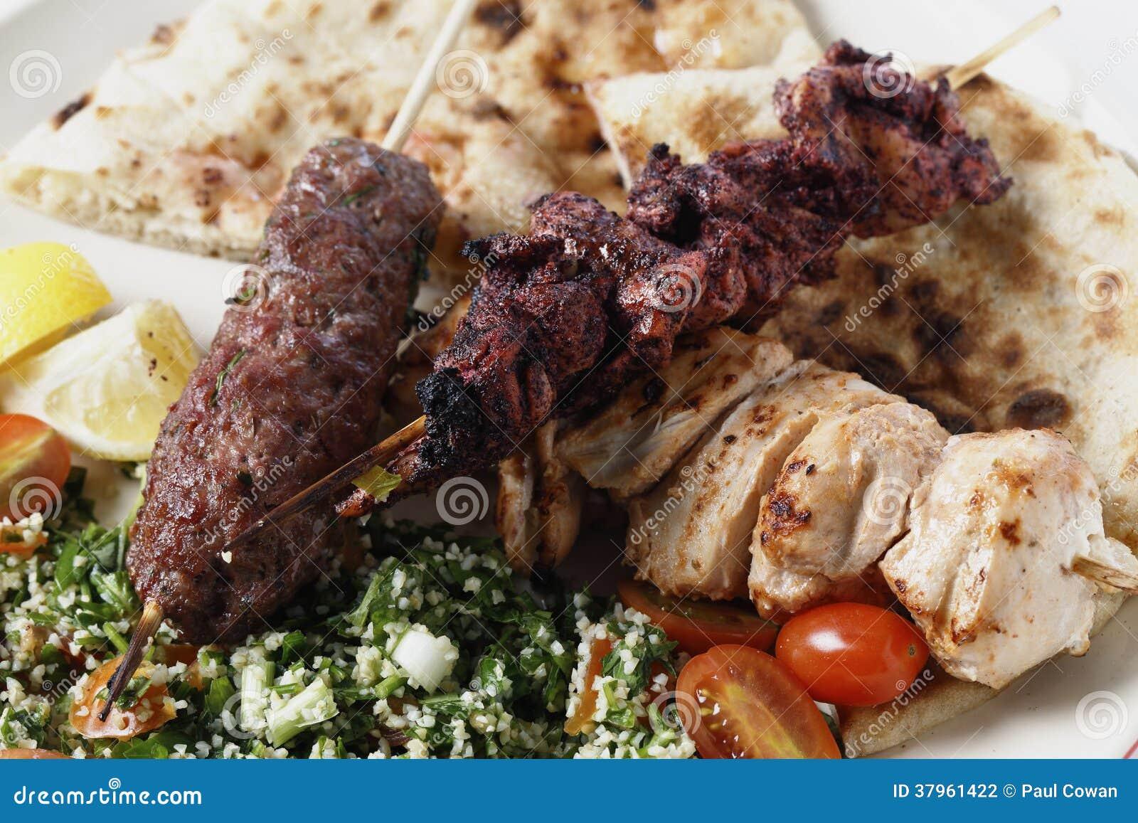 De barbecuemaaltijd van het Middenoosten