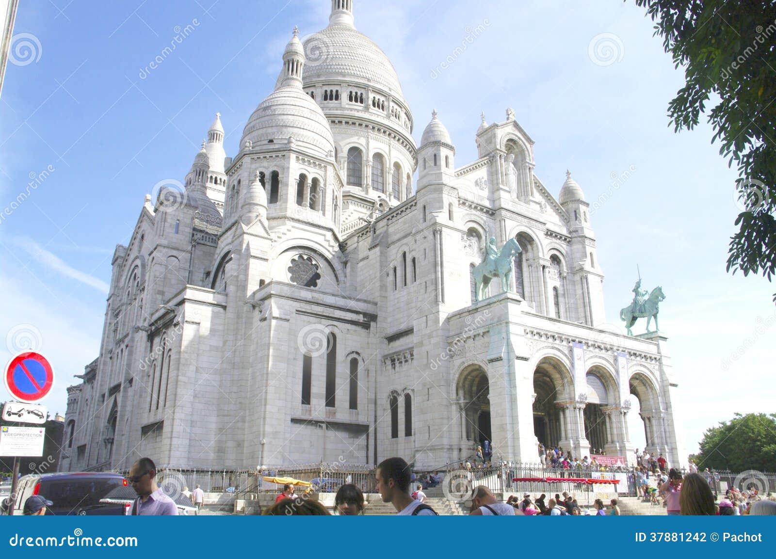 De Basiliek van het Heilige Hart in Parijs