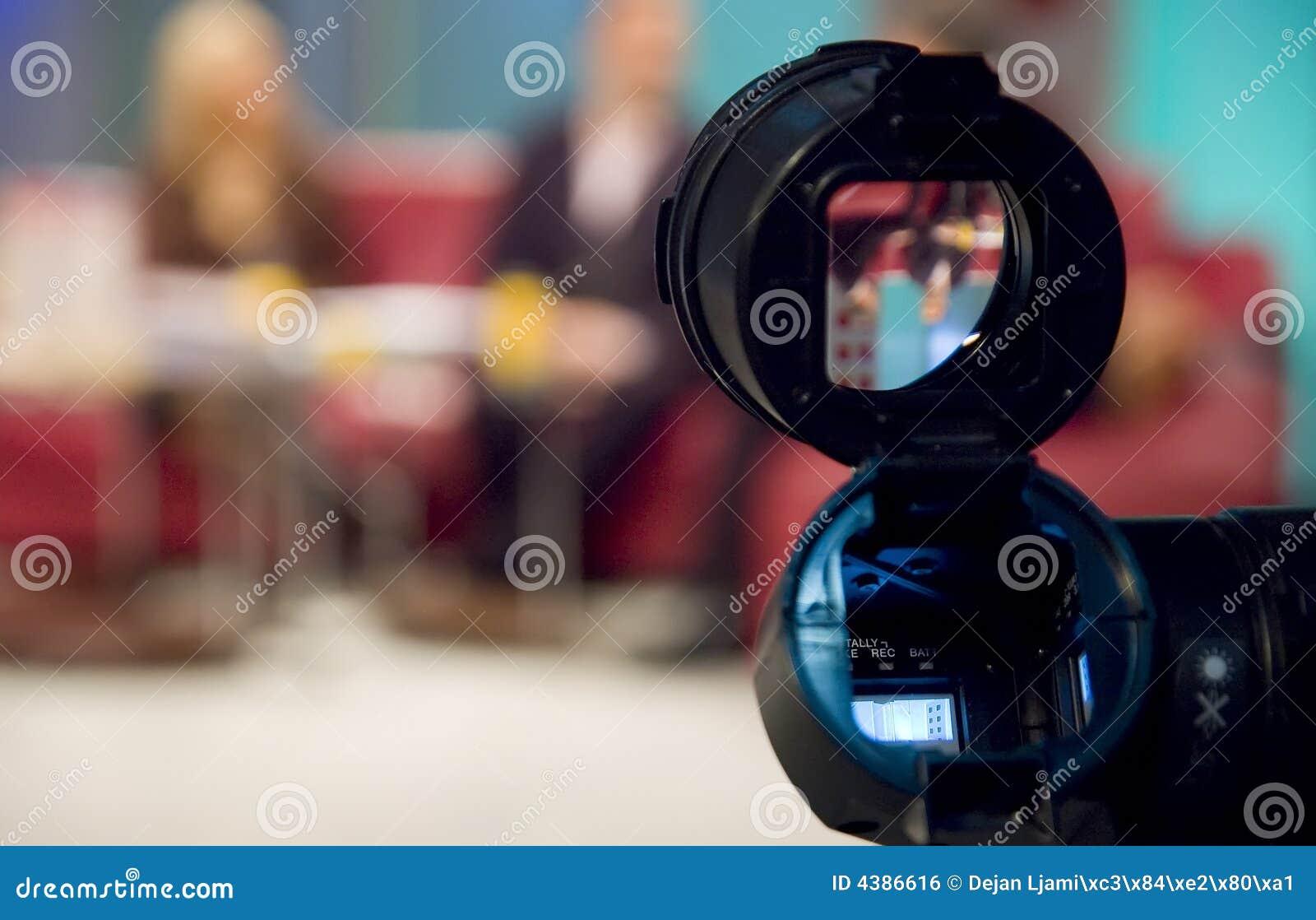 De beeldzoeker van de camera