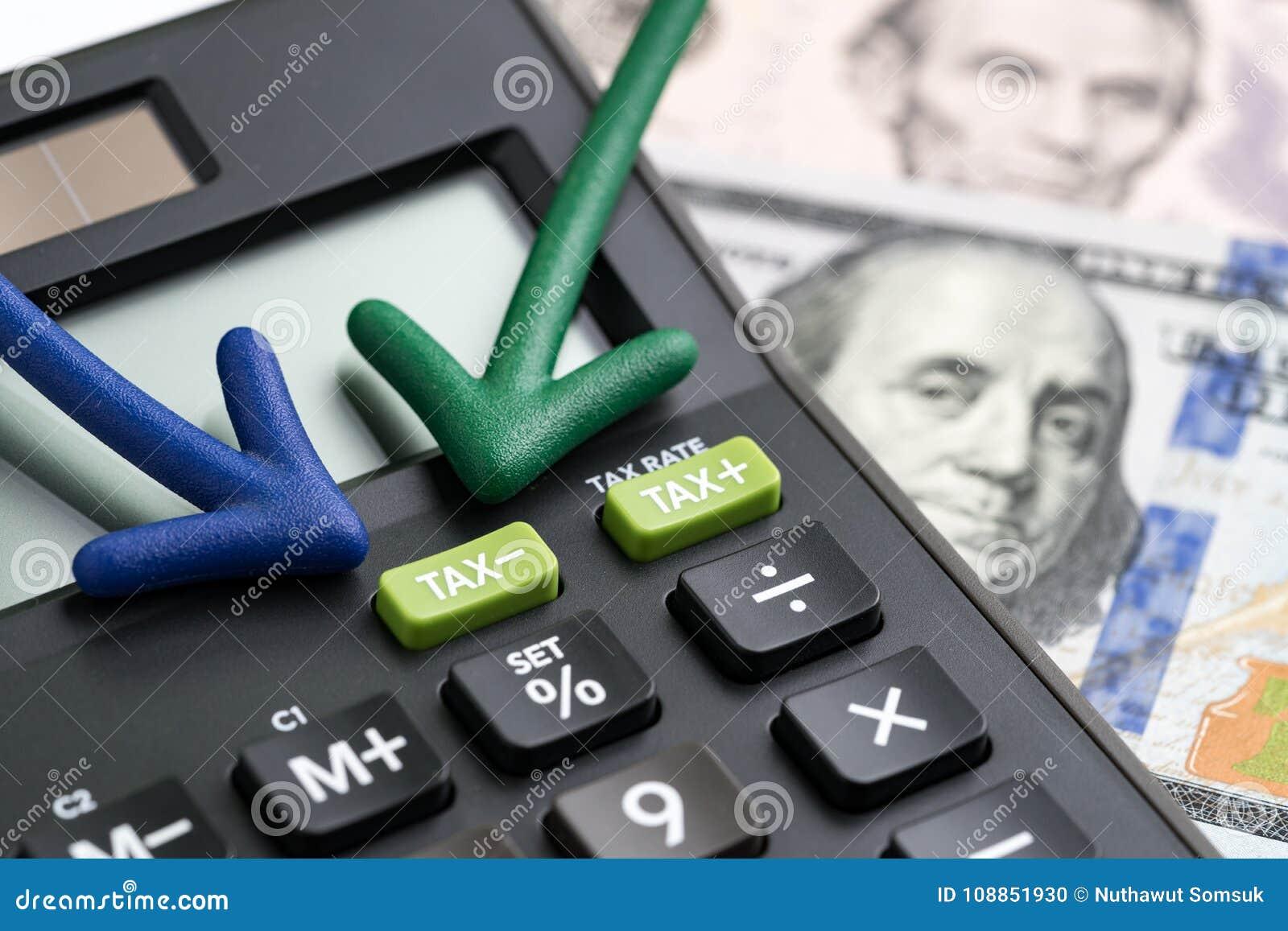 De belastingverlagingen van Verenigde Staten, hervorming/verminderen concept, pijlen het richten