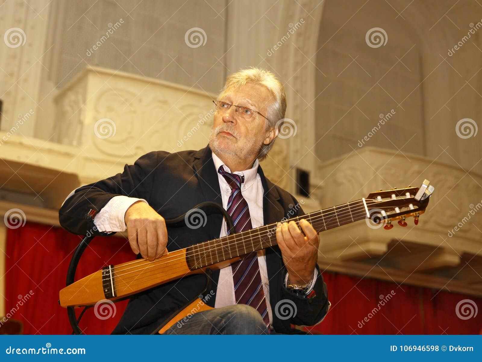 De de Belgische gitarist en componist van Francis Goya