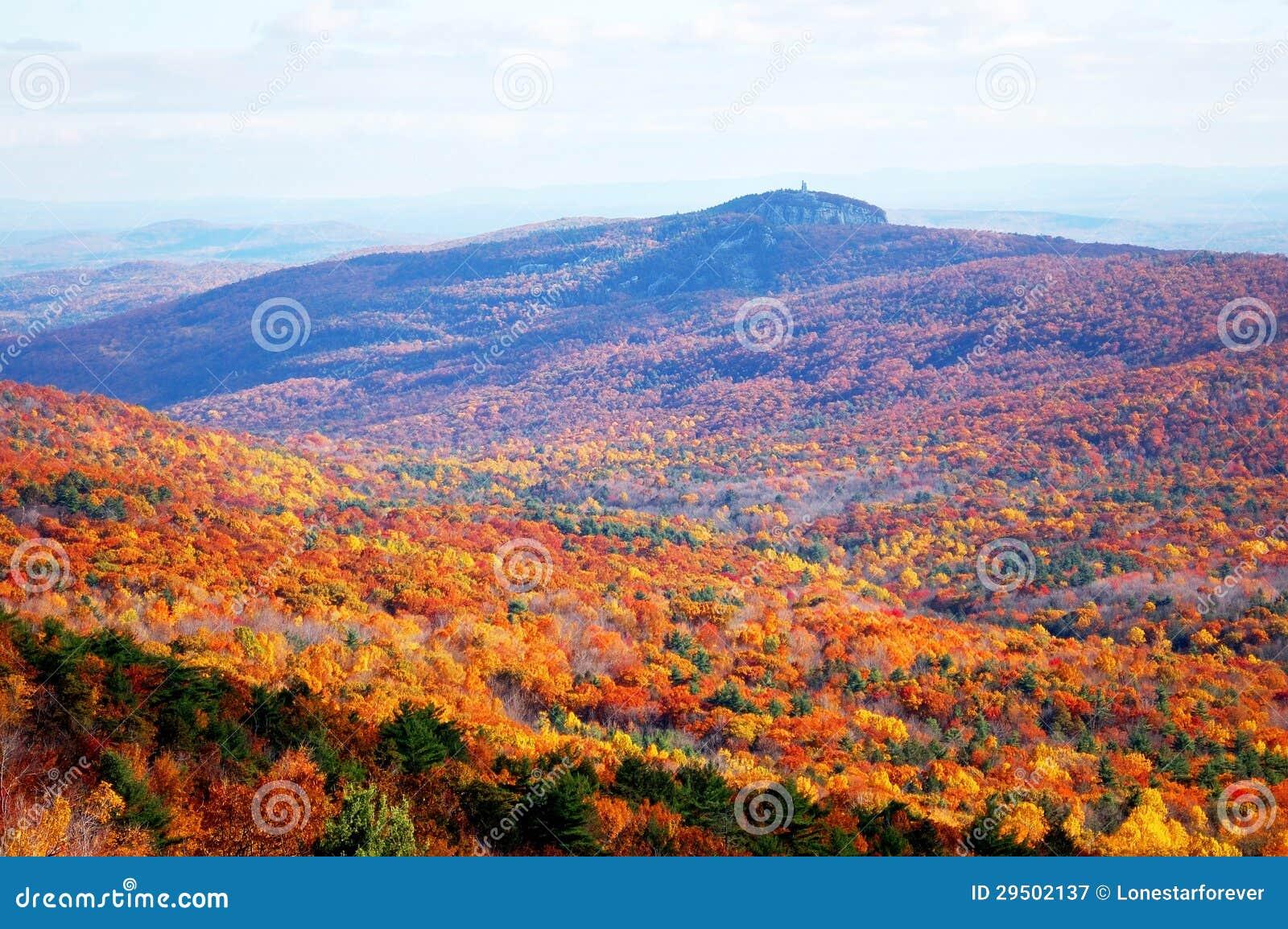 De berg van de herfst
