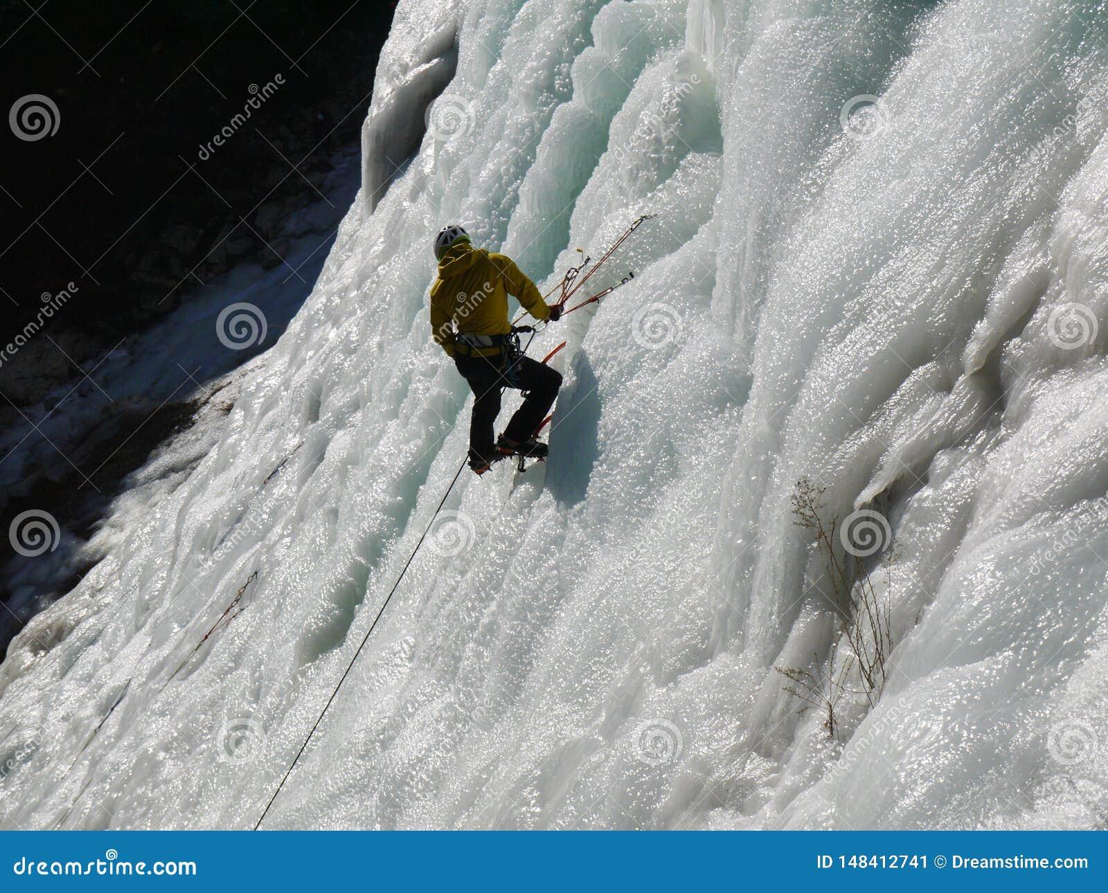 De bergaanraking van het ijsmeer