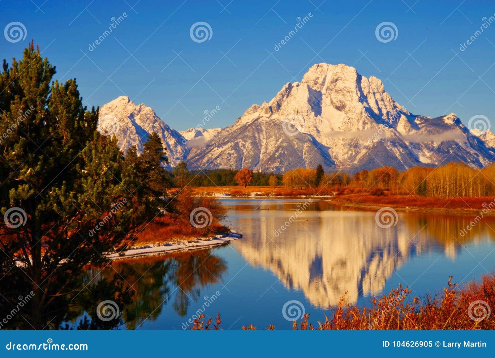 Download De Bergen Van Grand Teton, Het Nationale Park Van Teton Stock Afbeelding - Afbeelding bestaande uit daling, voor: 104626905