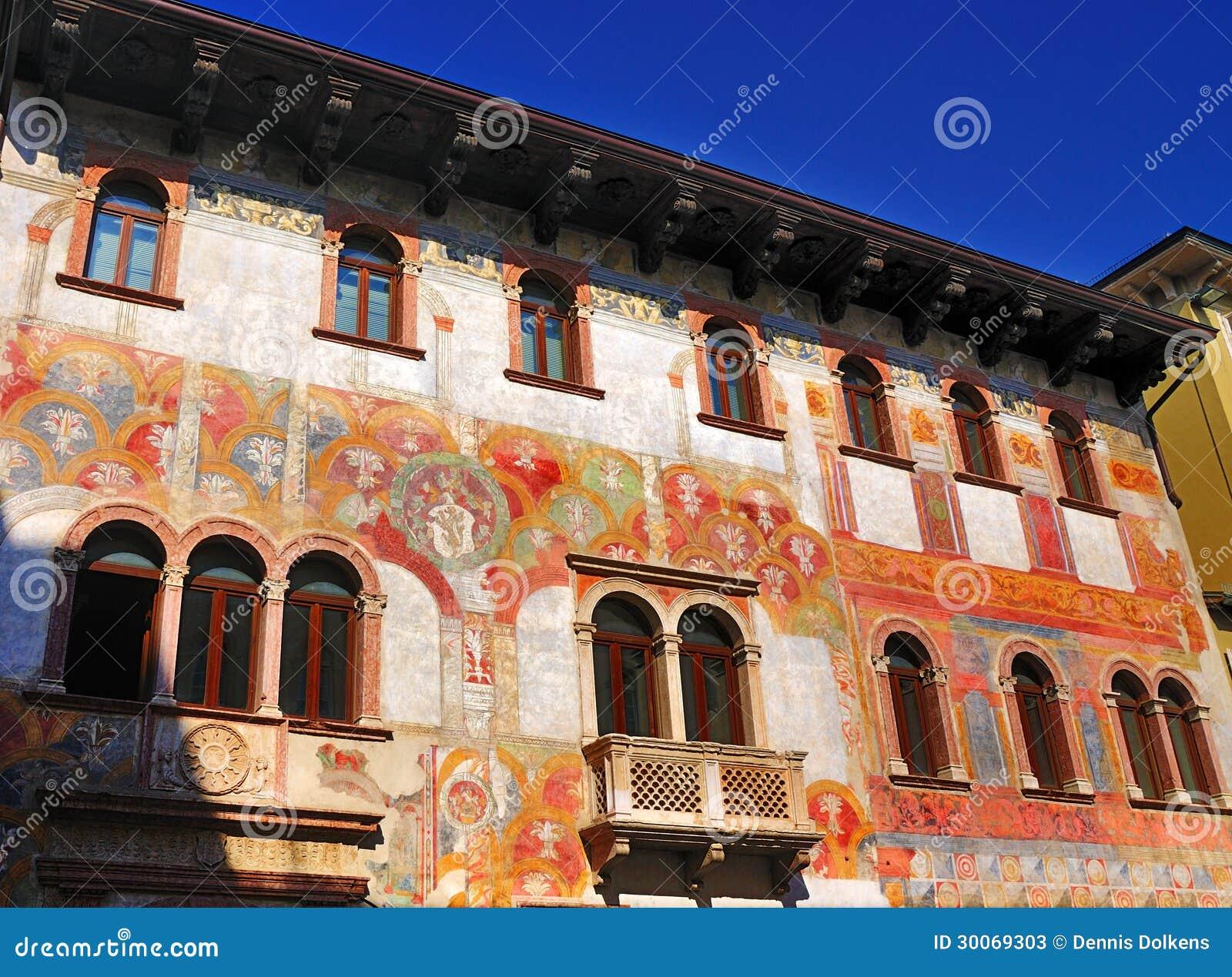 Huizen met Fresko s, Trento, Italië.