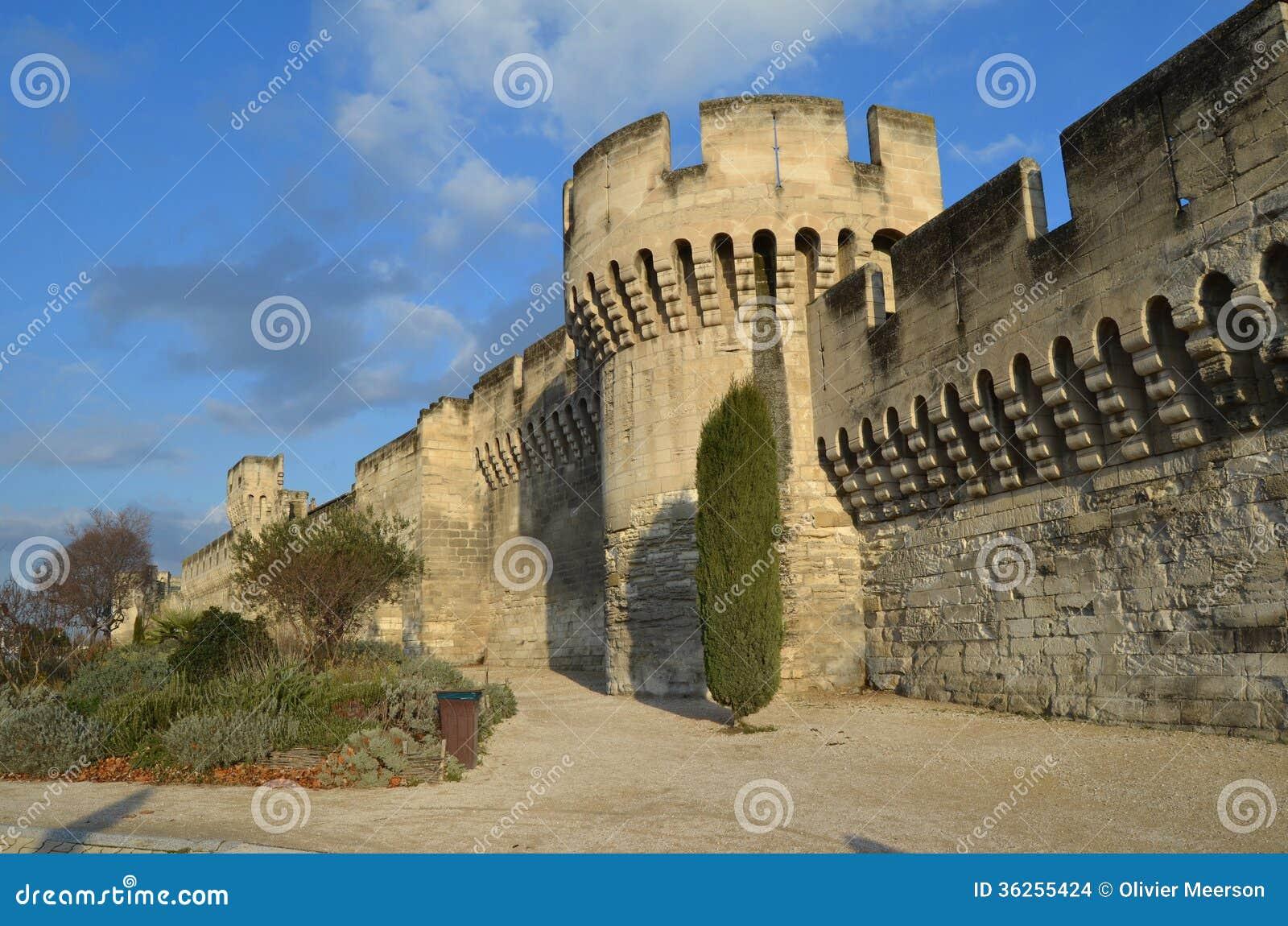 Gartenmobel Outlet Kettler : Design Afbeeldingen Muren  Mening van de beroemde muur in Avignon