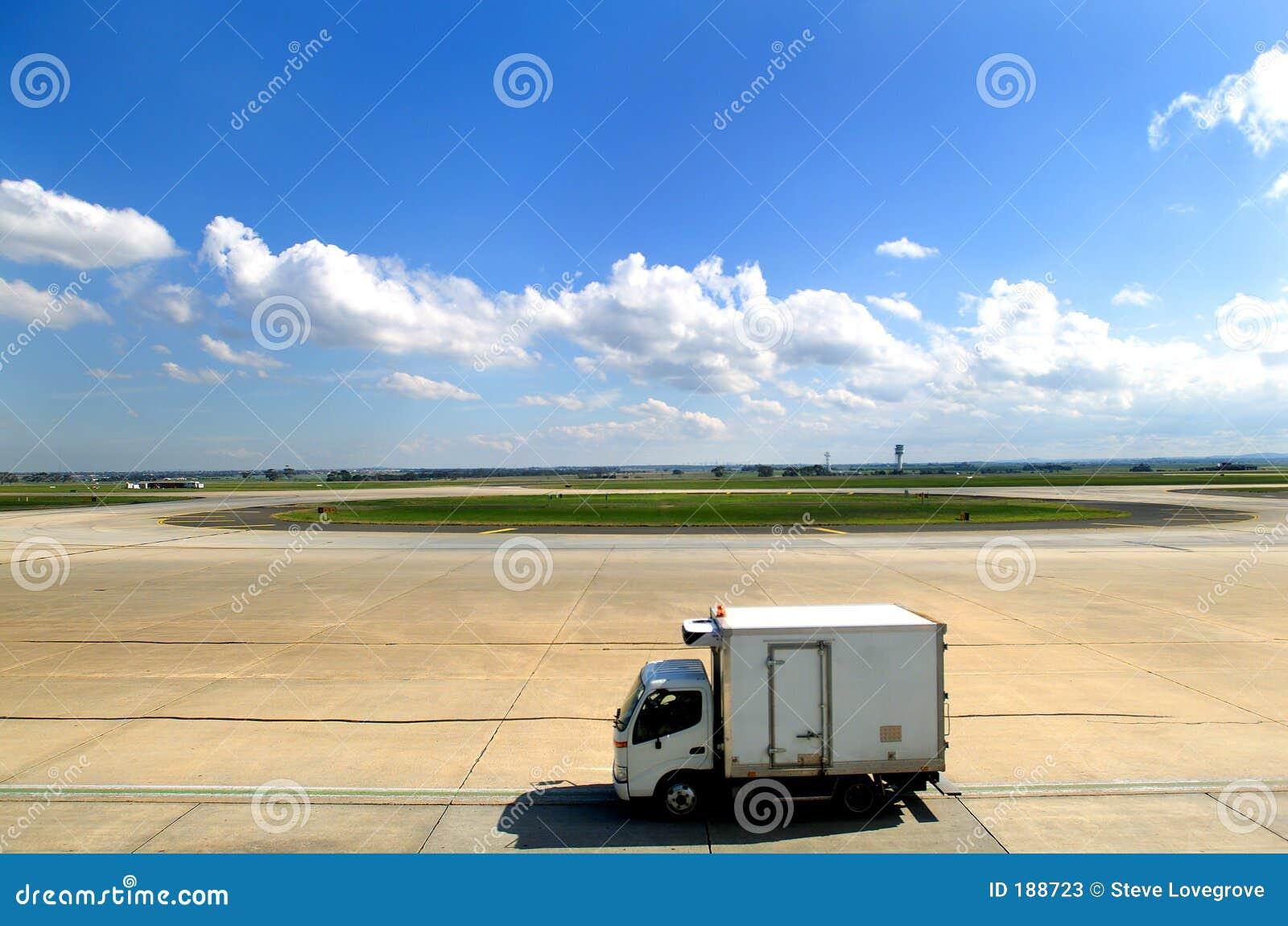 De Bestelwagen van de luchthaven